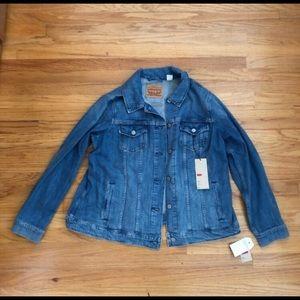 NWT Levi's plus size trucker denim jean jacket